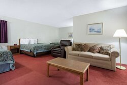 Suite with three beds