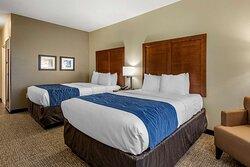 Suite with queen bed(s)