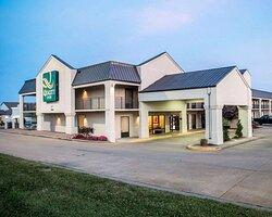 Quality Inn - US65 @ East Battlefield Road hotel in Springfield, MO