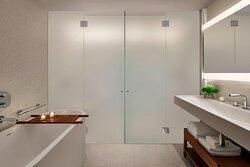 Loft Suite Terrace Bathroom