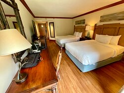 Standard room with 2 queen sized beds