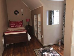 Vintage Family Studio Room