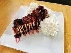 Raspberry & Chocolate Cheesecake / Cream