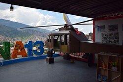 """Макет вертолета, участвовавшего в операции """"Орион"""" - зачистке района от левацких бандформирований."""