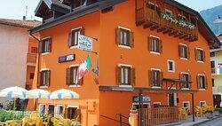 L'Albergo Carraro, facciata.
