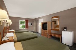 Three Beds Room