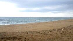 Buena mar y, por el tiempo, poca gente