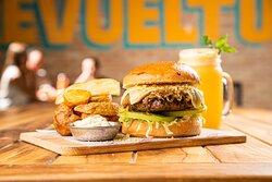 Jugosa hamburguesa para disfrutar hasta el último bocado