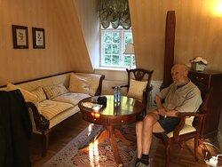 Fint slotshotel indrettet med respekt for stedets alder og fordums status