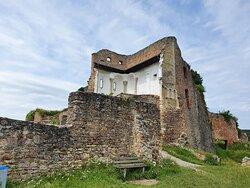 The castle ruins.