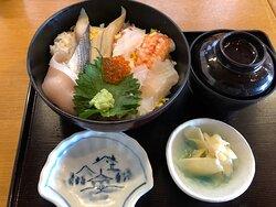 海鮮丼(ちらしです)