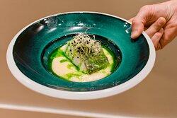 Bacalao confitado en Aceite de Arbequina con ensalada malagueña en texturas