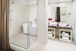 CGran Melia Fenix Onebedroom Suite Bathroom A