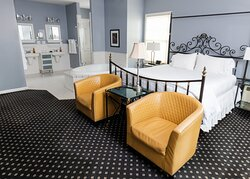 Luxury Room with Soaking Tub for Two
