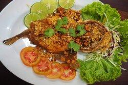 Deep fried fish garlic