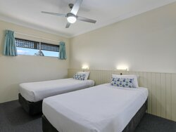 King Two Bedroom Apartment Twin Single Room