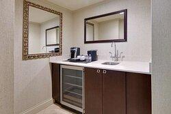 Premier Suite Wet Bar