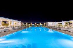 Aqua Blu Pool Bar Pool