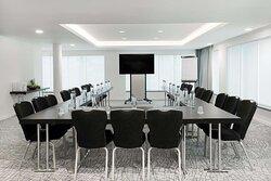 Horta meeting room with U-shape setup
