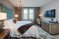 King Manor House Guest Room