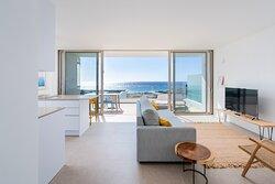 Vista al mar desde vivienda vacacional de lujo en el complejo Nivaria Beach en Tenerife Sur
