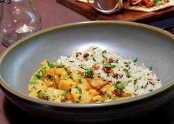 Cauli and Cashew nut curry - currently available on our evening menu (September 2021 - menus are subject to change).