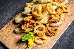 Frittura calamari e verdure