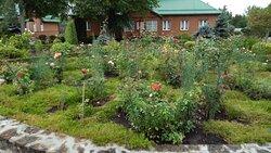 En av klostrets trädgårdar.