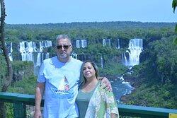 Agradecimento ao casal do Rio de janeiro em poder atendê-los em foz do Iguaçu com nosso atendimento como guia de turismo em veículo privativo.