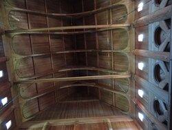 de dakconstructie van het centraal gedeelte