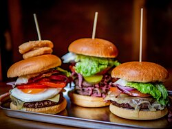 Burgers at the Plough (2021 Autumn)
