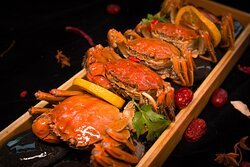 ELEMENTS HAIRY CRAB BUFFET