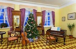 Музыкальная гостиная в доме-музее П.И. Чайковского