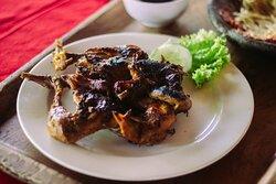 Menu ayam bakar Rumah Makan Dewi Sri Mojokerto