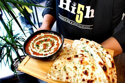 BUTTER CHICKEN with HERB NAAN