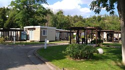 Area bungalows più recenti a più posti.