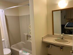 Budget motel, not clean, no breakfast