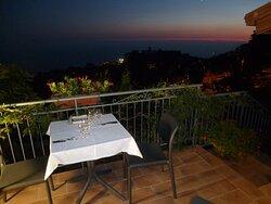 Abendessen auf der Terrasse....