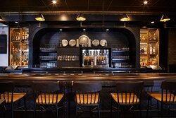 The Black Horse Tavern bar at the Golden Lamb