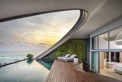 COMO Penthouse Private Pool Deck
