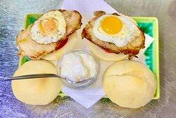 Ligeritas de lomo con huevo de codorniz
