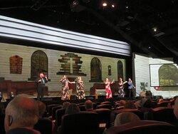 Pre-show gospel singers