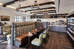 El Cafe Real - Indoor Seating