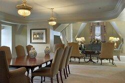 Queen Elizabeth II Suite
