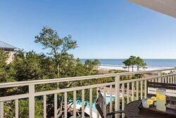 2 Bedroom Balcony - Close to Beach