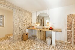 2 Bedroom Lumbung - Bathroom