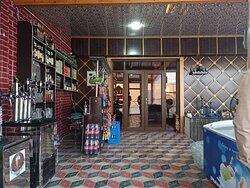 Lobby & Bar