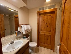 3 Bedroom Suite - Hall Bathroom