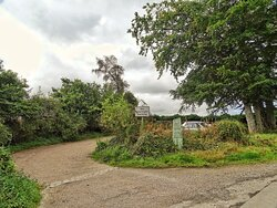 Car park and path to Megaliths