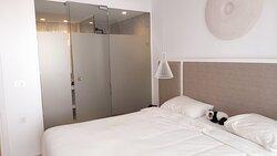 Slaapkamer van de familiesuite de luxe